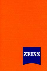 Sony/ZEISS (toituclatui) Tags: macromondays orangeandblue sony a7r ilce7r contaxcarlzeisstmakroplanar28100 100mm