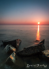 DSC_0032-1 (forbesy10) Tags: seatonsluice seascape sunrise rocks sky beach coast newcastleupontyne northumberland lx