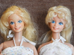 Barbie happy Birthday 1980: two different faces (Freddycat1) Tags: barbie happy birthday 1980