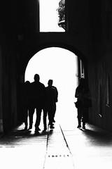 """""""Dove ci porterà questa strada? Chi lo sa, scopriamolo insieme!"""" #amicizia #tuttiperuno #unopertutti (Marietto982) Tags: cagliari centrostorico"""