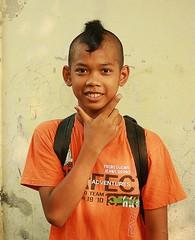 boy with summertime haircut (the foreign photographer - ฝรั่งถ่) Tags: boy summertime haircut mullet khlong thanon portraits bangkhen bangkok thailand canon kiss mohawk