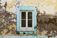 Ventana de Olhão (John LaMotte) Tags: ventana window janela fachada fenêtre deterioro decayed decadencia olhão infinitexposure ilustrarportugal portugal