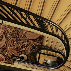 Chicago, Hilton-Palmer House Hotel, Stairway (Mary Warren (8.3+ Million Views)) Tags: chicago hiltonpalmerhouse palmerhouse hotel stairway stairs railing carpet