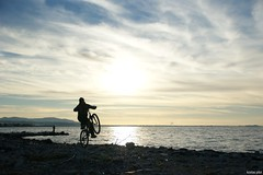 Bicycle rider at sunset (KOSTAS PILOT) Tags: greece peloponese achaia patras sunset goldenlight goldenhour light coast beach sea ionion mediterranean sky clouds silhouette shadows horizon rider sony sonyalpha colors patracitysunset kostaspilot life ελλάδα πελοπόννησοσ αχαιασ πατρα παραλιαπατρων patraikos πατραικοσ ουρανόσ θαλασσα συννεφα οριζοντασ ηλιοβασίλεμα ηλιοβασίλεμαπατρασ πατρινοηλιοβασίλεμα χρυσηωρα χρυσοφωσ ποδήλατο ποδηλάτησ σιλουέτα σκιεσ bicycle bicyclist bicyclesunset cyclist bicyclerider bike