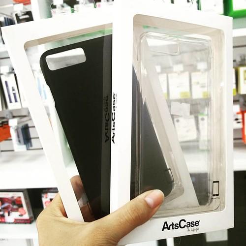 Un toque clásico para tu iPhone 7 Plus, encuentra carcasas ArtCase al mejor precio. #cadadiamejor. Visita nuestra tienda o llámanos Bogotá: (1) 381 9922 - Medellín: (4) 204 0707 - Cali (2) 891 2999 - Barranquilla: (5) 316 1300 - Pereira: (6) 335 9494 - Ce