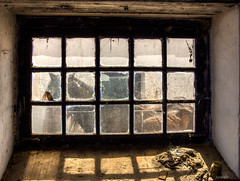 A monster calls (Javiralv) Tags: horse window shadows ventana caballo portugal beira marvao abandoned abandonada