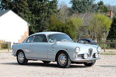 Alfa Roméo Giulietta Sprint (seb !!!) Tags: 2017 auto automobile automovel automovil automobil coupé coach fastback canon 1100d cars anciennes ancienne old oldtimers populaire seb france voiture wagen car coffee breuilpont italie italy italienne italian italia photo picture foto image bild imagen imagem grise grigio gris grau gray cinza classique classic klassic chrome quadrifoglio club