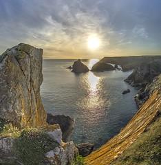Boy vertiginous (pauldunn52) Tags: sunset kynance cove lizard cornwall cliffs lichen thrift sea