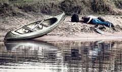 relax (silkefoto) Tags: strand paar ufer fluss kanu ems prchen emsland