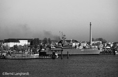 U-Boothaven-SW (bernd langhardt) Tags: marine bundeswehr militrfahrzeuge versorger