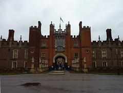 Entrance to King Henry VIII's Hampton Court (ashabot) Tags: uk england royal kings hampton antiquities kinghenryviii unitedkingdon historicalsites