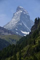 Das Matterhorn von Zermatt aus gesehen (Jolanda Donn) Tags: schweiz berge zermatt matterhorn alpen ferien wallis wandern tourismus aussichtspunkt bergwelt sonydslra100 ausflugsziel hochalpen kantonwallis ferienziel wanderparadies feriendestination schweizertourismus