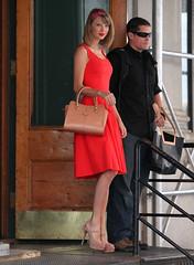 Updates: Taylor Swift (siyiwang625) Tags: newyorkcity usa newyork highheels candid fulllength redlipstick handbag reddress platforms headband orangedress taylorswift nudeheels