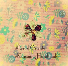 Here with a new flower:isn't it lovely?  Eccoci con un nuovo fiore: non  carino? Handmade kanzashi Fioridoriente #handmade #kanzashi #fioridoriente #kimono #geisha #maiko #fabric #tissu #cinta #tela #tessuto #ribbon #nastro #Japan #giappone #moda #look # (fioridoriente) Tags: flowers flores flower fleur look japan handmade brooch flor moda jewelry maiko fabric geisha kimono ribbon fiori fiore cinta giappone pendant brooches tela tissu hairpins accessorize hairclip kanzashi nastro accessori tessuto fioridoriente
