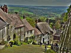 Gold Hill, Shaftsbury (Andrew Kettell) Tags: old england box chocolate hill cottage scenic historic dorset hdr olde shaftsbury thatched goldhill