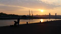 Photographes sur les quais de Rouen (J.Flauder) Tags: soleil lumire coucher fleuve
