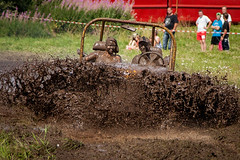 Time to get dirty! (mpakarlsson) Tags: brown wet jeep cruising dirty dirt enjoy splash yankees meet nasco falkping