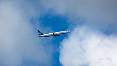US Airways 757 Climbout (Ben_Senior) Tags: sintmaarten caribbean dutchwestindies simpsonbay dutchcaribbean airplane plane aircraft aviation airline airliner nikond7100 nikon d7100 bensenior boeing 757 752 757200 b757 b752 b757200 jet narrowbody us usa usairways defunctairline rb211 cfm56 rollsroyce engine jetengine sky blue clouds takeoff climbout trip vacation