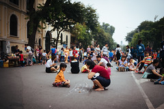 Streets of Hà Nội (_gate_) Tags: street festival vietnam ha noi hanoi mother daughter strase urban fest holiday 2016 november people kid kids children mouther shot art nikon d750 sigma 35mm 14 capitol city stadt