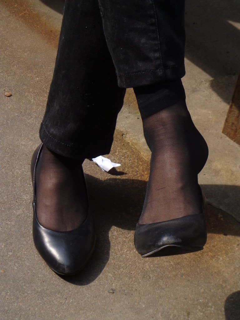 Candid feet shoeplay dangling in nylons pantyhose lobby - 2 part 2