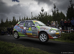 XXXIII Rali Noia 2017 (J. Cabana) Tags: rallye rally rali cars competition mirrorless bridge evil olympus micro four thirds micro43 omd em5 mark ii m zuiko digital 14150 456 galicia noia ralinoia 2017 coches automovilismo peugeot 106 jump jumping jorge cagiao gti