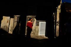 Sringara (Sergi_Escribano) Tags: mercatdesantjosep streetphotography streetphoto documentaryphotography barcelona barcelonastreetphotography sergiescribano streetsofbarcelona laboqueria red spring city light shadows blue sringara