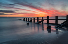 _D3_9117 (Simon Wootton) Tags: edinburgh sunrise sea water groynes beech portobello sand horizon colour scotland