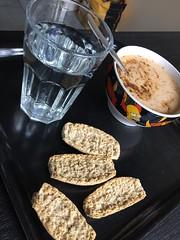 Lunch 18/4 (Atomeyes) Tags: mat fisk soppa skorpor vatten