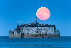 Moonrise over St Helens fort. (Ainsleyiow1) Tags: moon lowlight thesolent seascapes d810 moonrise isleofwight nikon200500 nikon sthelens