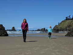 back from the tide pools (carolyn_in_oregon) Tags: crescentbeach cannonbeach pacificocean ecolastatepark coast alicia chiron