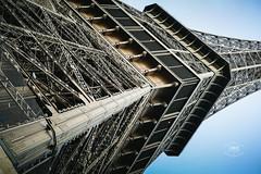 La dame couchée (Cedpics) Tags: voyage travel paris france monument eiffeltower souvenir toureiffel trocadero fr fer gustaveeiffel damedefer