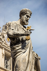 St. Peter holding the Keys of Heaven (NykO18) Tags: sculpture art statue europe cathedral basilica faith religion manmade vaticancity piazzasanpietro saintpeterssquare cittdelvaticano basilicadisanpietroinvaticano papalbasilicaofsaintpeter