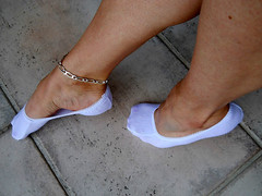 pikycad 02 (J.Saenz) Tags: feet foot pies pieds footfetish pulsera pinkys fetiche peds footsies footies liners tobillera fetichismo tobillo footlets womenfeet pikis podolatras pikys sockettes lingerieforfeet balletsocks ancklett