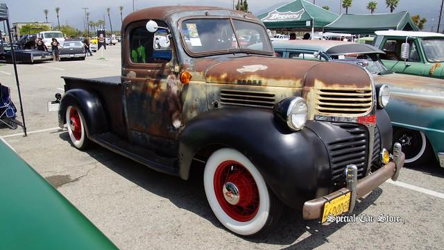 irwindalespeedway irwindaleca customtrucks 1946dodgepickuptruck mooneyescarshowanddragrace