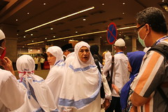 hallo (laviosa) Tags: family candid haram mecca umroh 2014 mekkah jabalrahmah masjidil masjidilharam jabaltsur arminareka pullmangrandzamzam