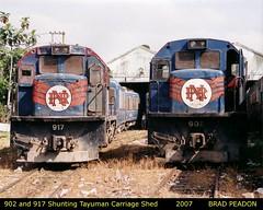 902 and 917 shnt the carriage shed in Tutuban yard (Manila) (alcogoodwin) Tags: electric general philippines manila locomotive ge locomotives prhs philippinenationalrailways pnr tutuban tayuman u5b philippinerailwayshistoricalsociety u15c