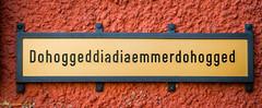 Kann mir das mal jemand ubersetzen? (Polybert49) Tags: germany deutschland alemania tyskland schwarzwald hdr germania duitsland tbingen bundesrepublikdeutschland badenwrttemberg neckarfront neckartal niemcy neckarinsel historischesrathaus nikond300 alemanne sgraffitotechnik republiquefederaledallemagne germanujo heribertpohl diebenge stocherboote conradvondollinger