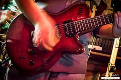 La guitarra de Alberto (Chus Blazquez) Tags: rock concierto beatles msica directo backties
