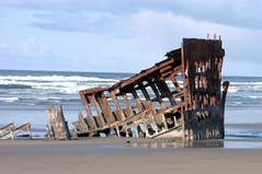 E60414-01a Large Web view (classic.visions) Tags: oregon peter shipwreck cannonbeach iredale