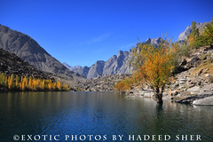 Spontaneous !! (C@MARADERIE) Tags: autumn pakistan sky lake color reflection nature water landscape colorful natural nopeople naturism colorimage skardu kachura upperkachura skarduvalley lakeofpakistan lakesofpakistan lakeupperkachura naturismphotography
