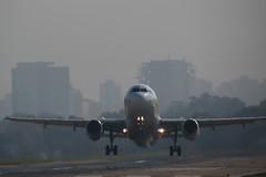 Arriiiiba (adrian_63) Tags: plane fly buenosaires departure landed costanera avion norte aviones aterrizaje despegue aeroparque republicaargentina