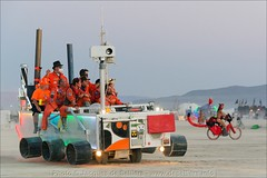j8e_16597-98-ps1-50p (jacques.deselliers) Tags: burningman blackrockcity float artcar marsrover mutantvehicle burningmancar burningman2013 mutantvehicle2013 deselliers jacquesdeselliers