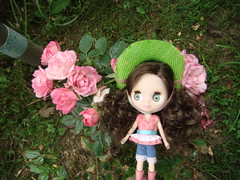 Blythe #12 Rides & Surprises (Medithanera) Tags: cowboy doll curly tiny rides blythe 12 brunette hasbro lps littlest b12 surprises