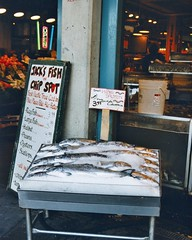 Pike Market, Seattle, May 1996 (hansziel99) Tags: seattle usa fish nikon northwest 1996 salmon pacificnorthwest seafood fishmarket pikemarket kingsalmon nikon801 usanorthwest