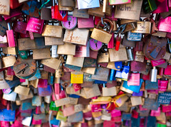 The Colours Of Love (TablinumCarlson) Tags: leica bridge love germany deutschland lock 28mm north cologne kln summicron m8 nrw colonia brcke schloss padlock herz nordrheinwestfalen rheinland liebe hohenzollern klle hohenzollernbrcke rhinewestphalia vorhngeschloss