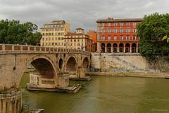 Rome : Ponte Sisto / former Roman Pons Aurelius (Pantchoa) Tags: bridge italy rome roma nikon italia tiber tevere nikkor lazio pontesisto sisto tibre latium viadeipettinari lungoteveredeivallati d7100 1685f3556gedvr romanponsaurelius