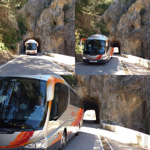 "Autobuses Andújar alquiler de autocares y microbuses en Écija • <a style=""font-size:0.8em;"" href=""http://www.flickr.com/photos/153031128@N06/33019127264/"" target=""_blank"">View on Flickr</a>"