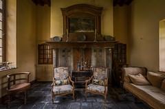 DSC_4080-HDR (Foto-Runner) Tags: urbex lost decay abandonné château castel dingue fou crazy passions haine