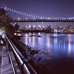 (Rafakoy) Tags: minoltaautocord rokkor75mmf35 75mm fujichromet64 e6 epsonperfectionv600 scan film newyork ny queens astoria night longexposure reflections water cityscape skyline city urban lights color tungsten slide positive expired 6x6 square tlr bridge uppereastside bronx randallsisland dusk park street