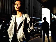 bask (dr.milker) Tags: taiwan taipei street sun bask rays light urban nanhairoad afternoon dusk 台灣 台北 街拍 彩色 陽光 曝曬 女生 人 下午 傍晚 光線 都市